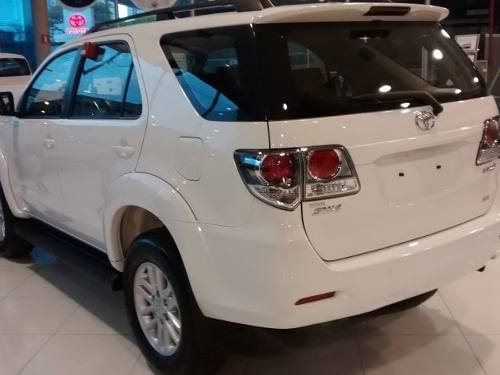 Toyota Hilux SW4 SR ( 7 LUGARES, fechada) automática Flex ...